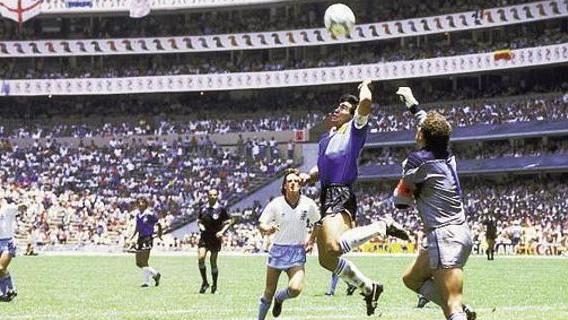 Mano de dios e magia Maradona, tutto in 5' - La Stampa