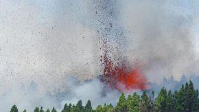 Eruzione alle Canarie, la prima del vulcano dopo 50 anni. Il premier Sánchez vola a La Palma