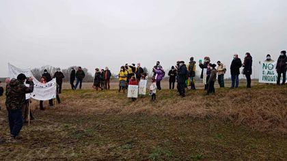 Altedo, la protesta di cittadini e ambientalisti contro il nuovo polo logistico