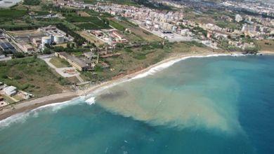 Fanghi e liquami in mare, le foto shock della costa di Palermo