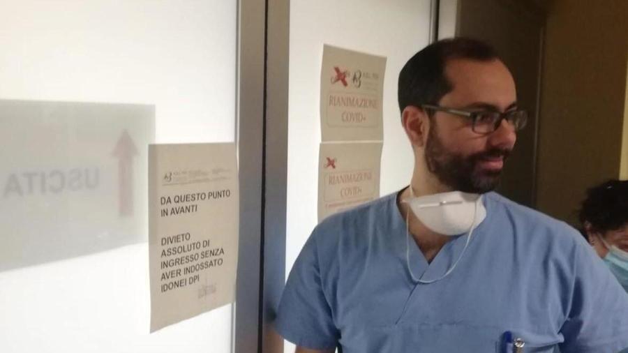 """Coronavirus, il primario di Rivoli: """"Finito il turno rassicuro la gente su Facebook"""""""