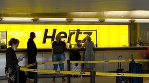 Tesla vola con il maxi acquisto Hertz e vale 1.000 miliardi