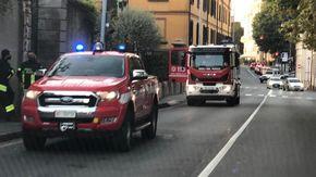 In auto contro un palo sul Baluardo Quintino Sella, quarantenne grave all'ospedale Maggiore di Novara
