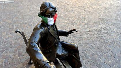 Pasquetta parmigiana: anche Verdi ha la mascherina