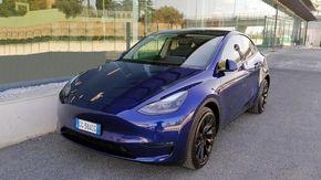 Tesla Model Y, la prova - ancora più spazio a bordo e qualità in aumento