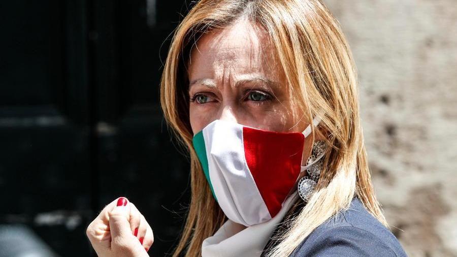 Minacce su Facebook, condannato a 2 anni stalker di Giorgia Meloni ...