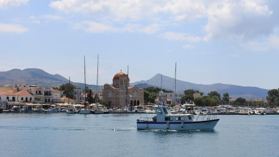 An image of Aegina.  The island takes its name from a nymph whom Zeus (Jupiter) fell in love with;  the crime provoked the jealousy and fury of Hera (Juno) who exterminated the population