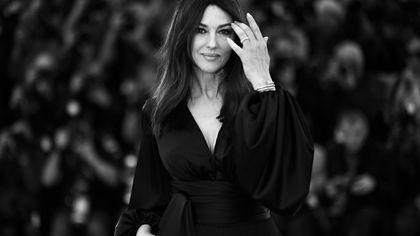 Monica Bellucci, la diva senza tempo, compie 57 anni