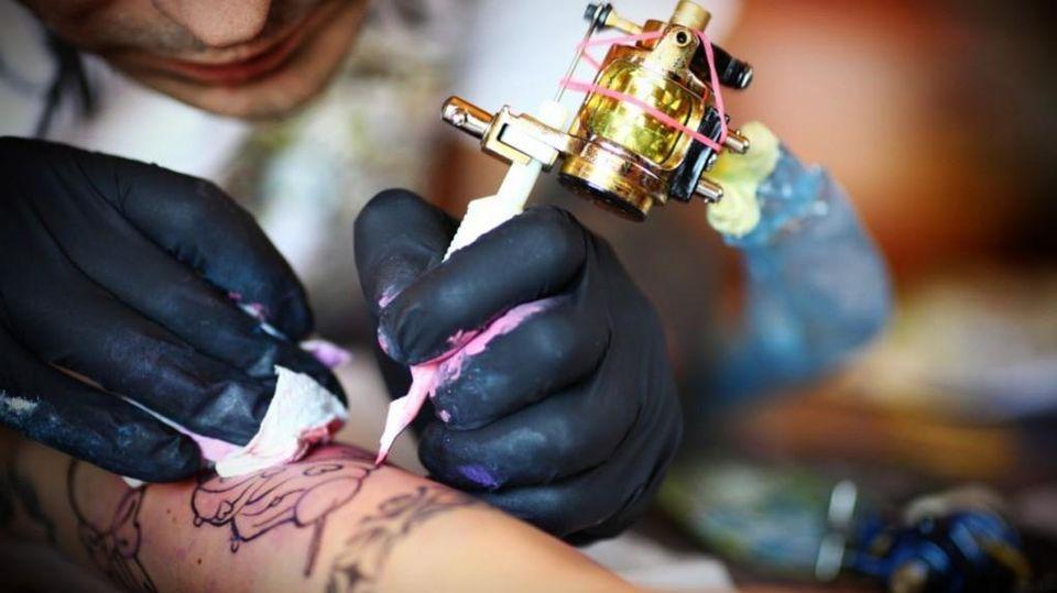 prezzo onesto enorme inventario scegli l'ultima Tatuaggi e piercing: come tutelare i figli - La Stampa