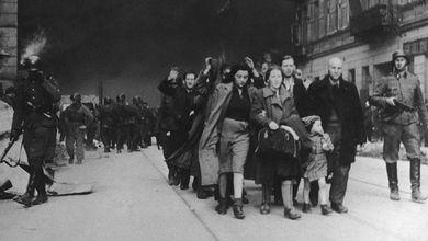 Non lasciamo che Auschwitz anneghi nella retorica