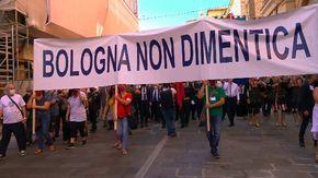 Bologna, ricorda strage stazione familiari e autorità in corteo