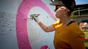 """""""Nelle città più inquinate d'Italia i miei graffiti anti inquinamento per pulire l'aria"""""""