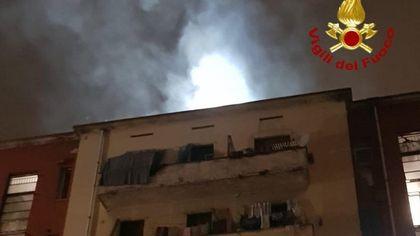 Milano, incendio in uno stabile in zona San Siro: due appartamenti distrutti ma non ci sono feriti