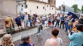 In 150 in piazza a Novara contro il green pass: non si sono ripetuti i numeri della scorsa settimana