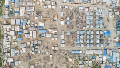 I ghetti degli invisibili: lontani da strade e città sono un pugno nell'occhio se li guardi dal cielo