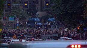 Milano, traffico bloccato dal corteo No Green Pass: vetture in coda
