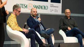 """Standing ovation per Roberto Saviano al Salone del Libro: """"Racconto le mie ferite"""""""