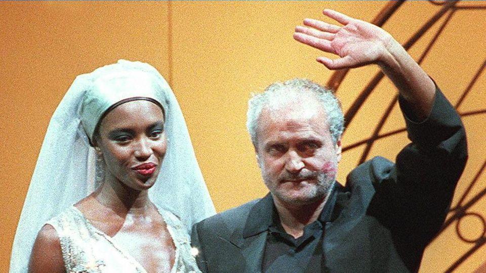 best loved 909f7 a3b16 Versace: A prophet of modernity - La Stampa