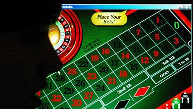 Virus dell'azzardo online, giovani sempre più a rischio: al giorno giocano fino a 1000 euro