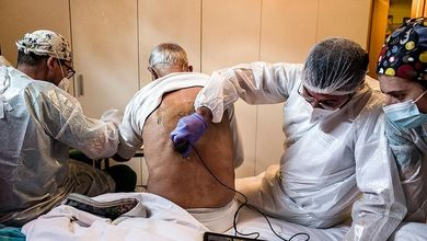 """""""Io, medico pensionato, resto qui con i miei pazienti fino a quando non arriva il vaccino"""""""