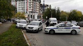Russia, sparatoria all'università di Prem: l'arrivo della polizia sul luogo della strage