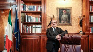 Il ministro Alberto Bonisoli e la scuola offshore