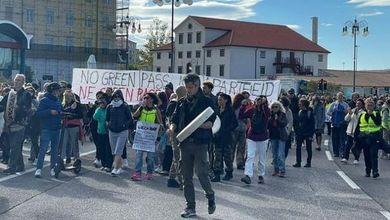 No Green Pass, chi sono e cosa vogliono i portuali di Trieste