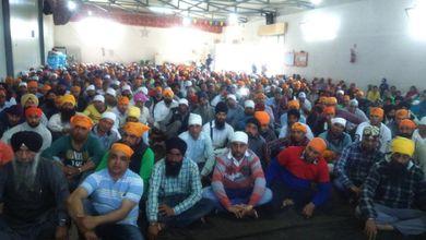Agro Pontino, i braccianti sikh continuano a protestare