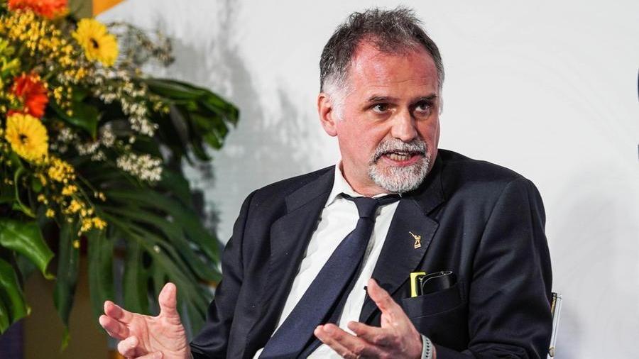 """Massimo Garavaglia: """"Pronti ad anticipare il pass europeo. Obiettivo: tutto riaperto il 2 giugno"""""""