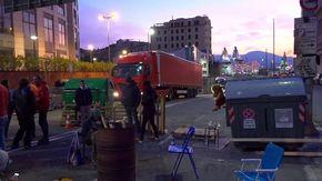 Genova, al porto ancora blocchi di lavoratori e No Green Pass ai varchi, circolazione rallentata