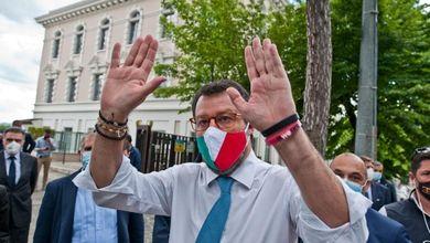 Matteo Salvini e la Nutella sulla mascherina