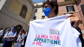 Referendum eutanasia, superato il milione di firme