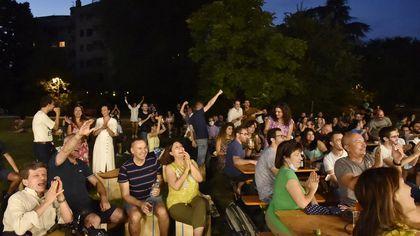 Italia in semifinale agli Europei: festa azzurra al Bizzozero - foto