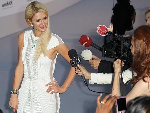 Guardaroba Di Paris Hilton.Paris Hilton Su Di Me Troppi Equivoci Br Sono Ricca Ma Non