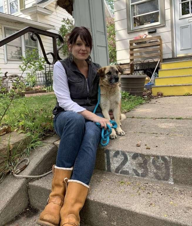 A dog travels 64 kilometers to return to the woman he loves