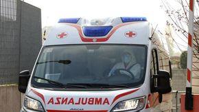 Alessandria, precipita dal balcone di casa in via Rivolta e muore sul colpo