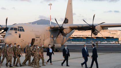 Afghanistan, tornati a casa gli ultimi soldati italiani - Le immagini