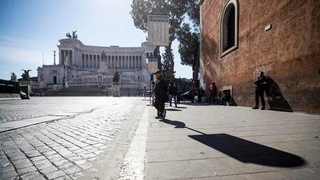 Coronavirus Nel Lazio Si A Sanificazione Stabilimenti Balneari E Campeggi A Roma Crollo Dei Contagi La Stampa