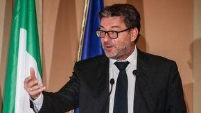 """Ex Embraco, Giorgetti: """"Incontrerò lavoratori, bisogna fare loro un discorso realistico"""""""