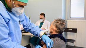 Ripartenza sicura: dai tamponi gratuiti per gli università all'accesso diretto fino al 31 ottobre per i vaccini