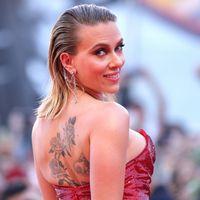 Scarlett Johansson: 10 look che ci hanno fatto sognare (e quelle acconciature sempre diverse)