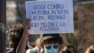 La legge contro l'omofobia ci porterebbe fuori dall'inciviltà. Ma al momento è solo un sogno