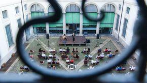 Stagione allungata e palchi all'aperto: così i teatri milanesi hanno battuto la pandemia