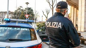 """Lo fermano: """"Ho il green pass"""", ma era clandestino: arrestato"""
