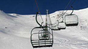 Covid, in Lombardia ristori per 6 milioni a scuole e maestri di sci