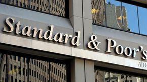 S&P conferma il rating dell'Italia e alza le prospettive