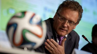 L'assurda storia della villa di Lele Mora, finita all'ex segretario della Fifa attraverso il Qatar