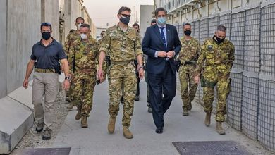 Un altro disastro per la Nato: i suoi 550 collaboratori afghani lasciati nelle strade di Kabul dopo le bombe Isis