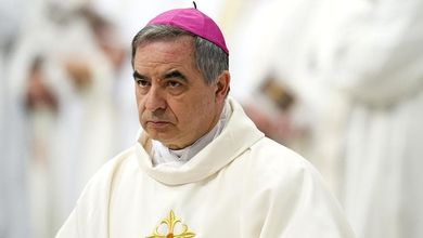 Tutti gli errori dell'ex cardinale Angelo Becciu nelle accuse che lancia all'Espresso