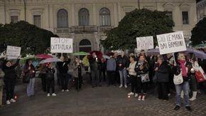 In duecento tornano in piazza a Novara per protestare contro il Green pass